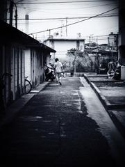 少年と煙突