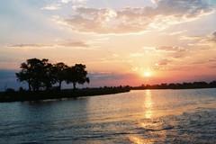 ザンベジ川に沈む夕日(アフリカ)