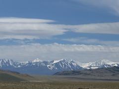 雪山と雲と