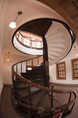 鉱山事務所2階螺旋階段