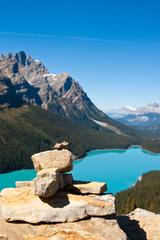 青空と青い湖