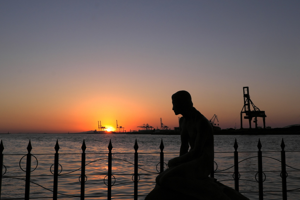 夕陽の大阪港