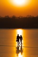 氷湖の黄昏