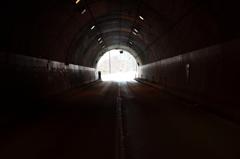 トンネルの先は雪国