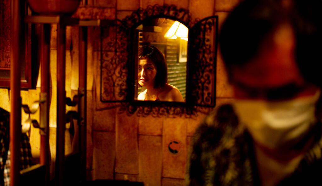 鏡にうつる歌手