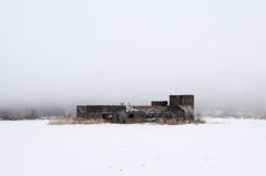 冬もやの廃墟