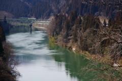 只見川の春