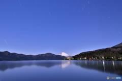 月明かりの芦ノ湖