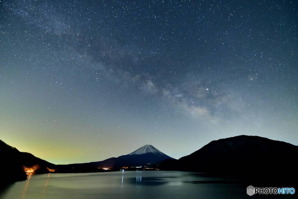 富士と春の天の川