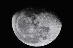 Moon in 590nm IR - wavelet