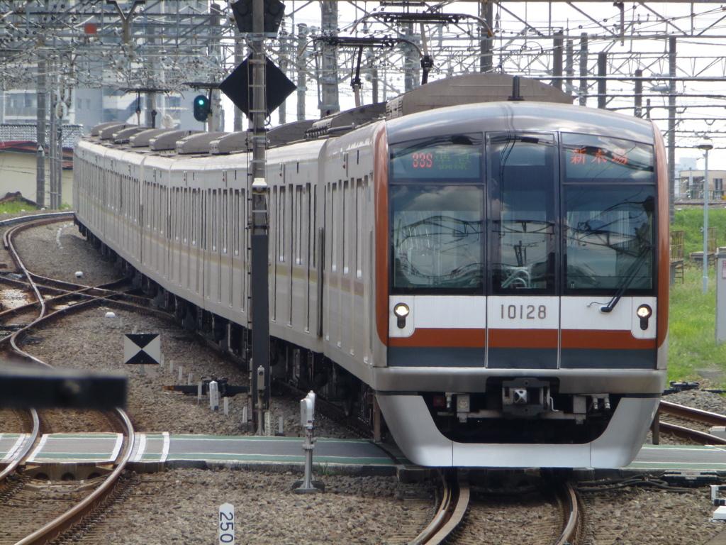 東京メトロ10000系電車 by しな...
