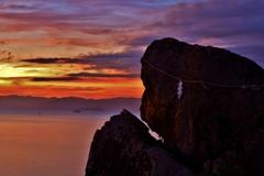夕暮れのゴリラ岩