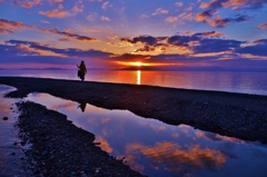 夕日の水辺