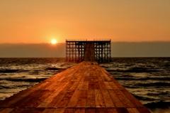 夕日のプラットホーム