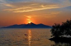 琵琶湖・湖東の朝日