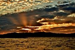 湖上の秋夕雲