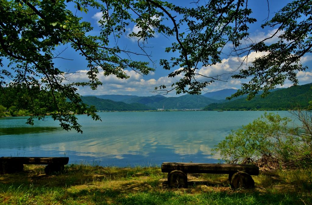 余呉湖の「あのべんち」