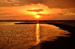 琵琶湖冬夕日