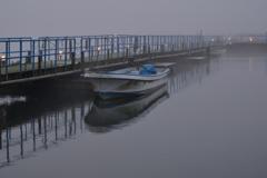 朝霧の釣り桟橋