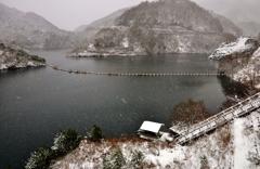雪景の姉川ダム(白龍湖)