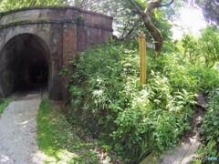 隧道と街道