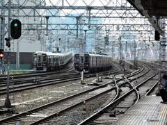 三複線・・・京都線と宝塚線の電車が行く