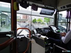市バス車内