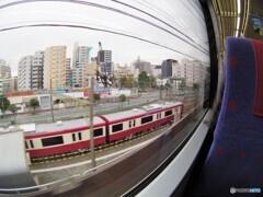 京急特快の車窓・・・大師線待機