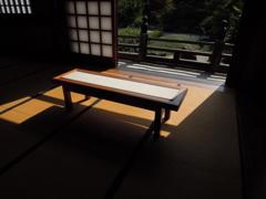 仏間のベンチ