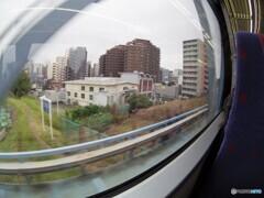 京急特快の車窓・・・台風時にがんばった施設!