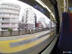 京急特快の車窓・・・京急川崎駅到着