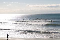 冬の海を楽しんで