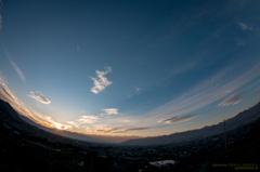 甲府盆地に沈む夕日