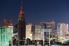 新宿の夜空に