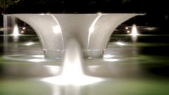 この噴水は、ブラームスのハンガリー舞曲5番をBGMでご覧下さい。