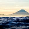 荒波と富士