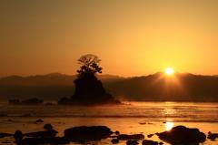 毛勝三山からの日の出