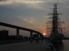 夕陽の海王丸2世
