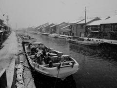 内川の雪景色