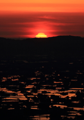 散居村に沈む変形夕日Ⅱ