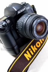 Nikon F80D 02