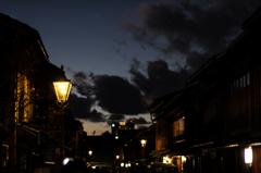 灯がともる街