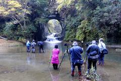 「濃溝の滝」迷惑なグループ