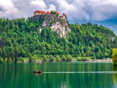 湖上の城..