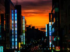 夕焼けの街..