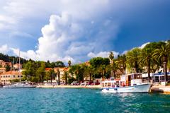 海辺の街の風景..