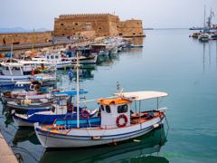 要塞のある港の風景..