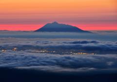 八甲田からの岩木山の雲海
