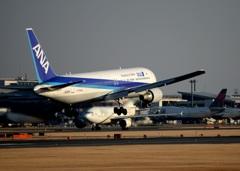 着陸 ANA 767-381