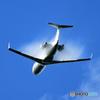 「SKY」 Takeoff  小型機も ベイパー !!!